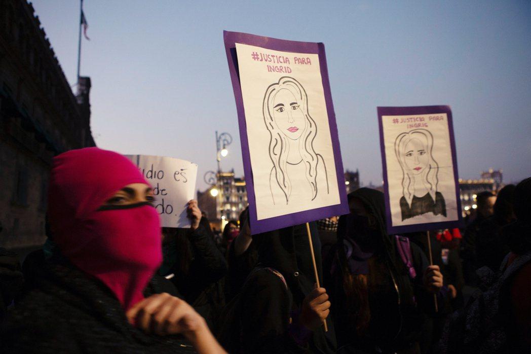 在英格麗事件的重大壓力下,墨西哥司法部確定了「研擬修重刑期度但保留〈殺女罪〉」的...