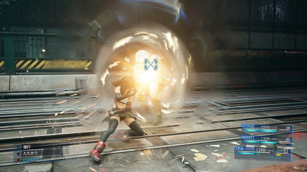 「爆裂拳」:運用肩膀使出沉重的一擊將敵人撞飛。
