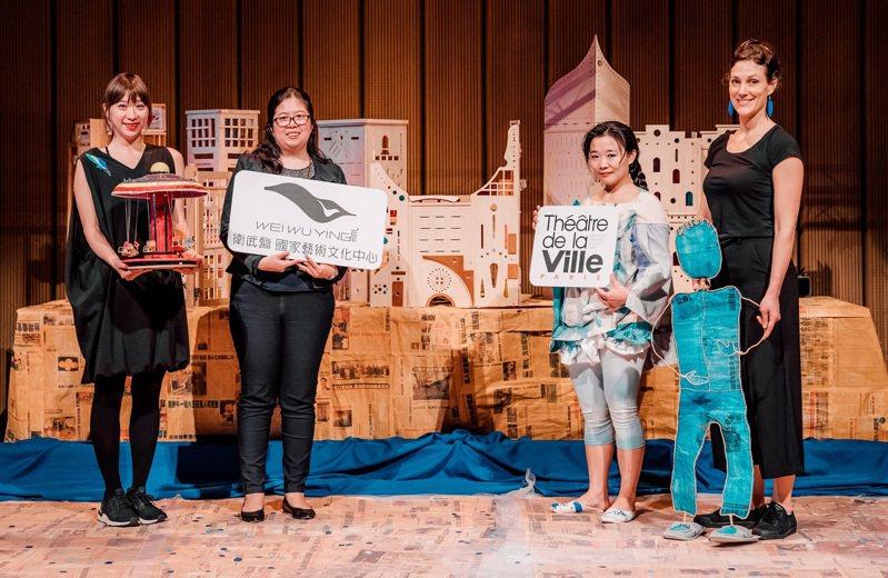 衛武營國家藝術文化中心與法國巴黎市立劇院,共同製作療癒系親子劇《庫索莫與他的長冠八哥》。圖/衛武營國家藝術文化中心提供