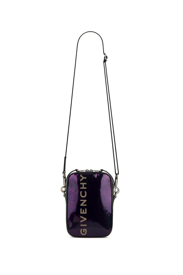 GIVENCHY霓虹豎式斜背包,售價56,000元。圖/GIVENCHY提供