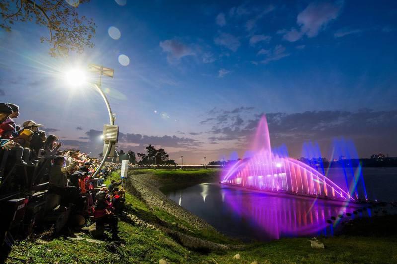 嘉義市蘭潭音樂噴泉預定本月2月22日開始,暫時水舞演出。圖/嘉義市府提供