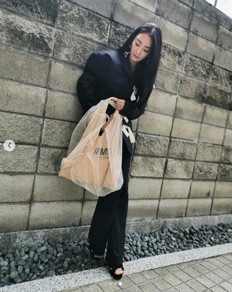 吳速玲也是MM6 Maison Margiela Japanese Bag的愛好...