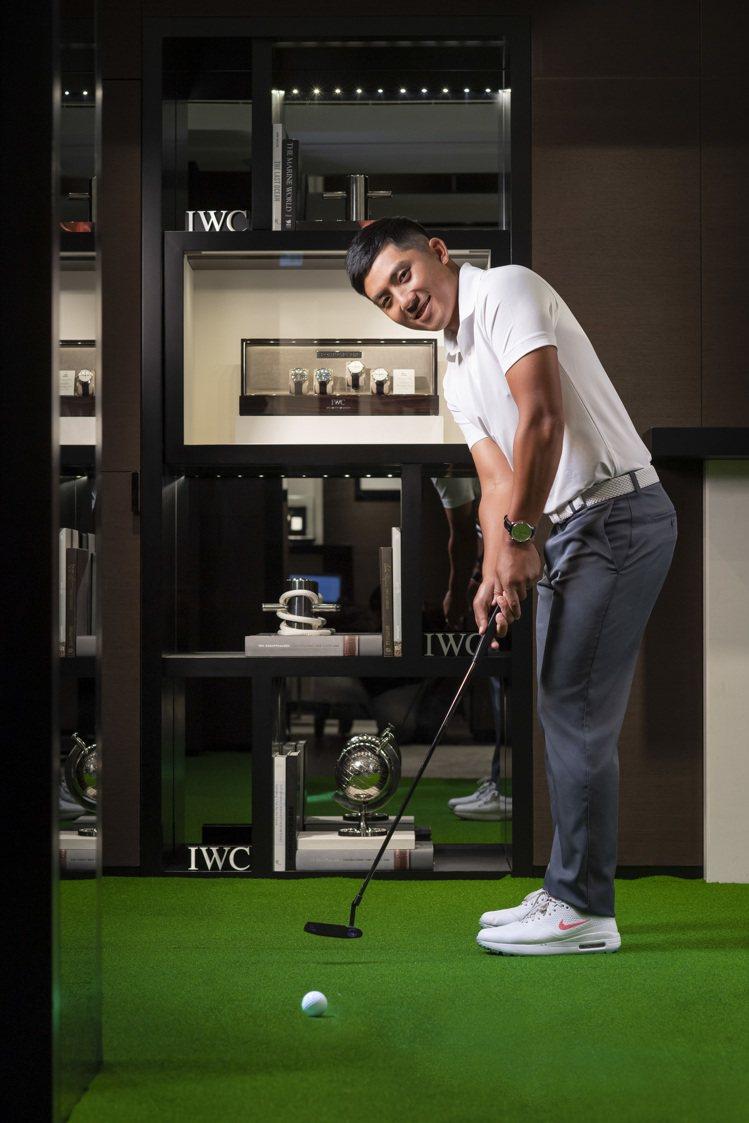 萬國表(IWC)近期與2019年PGA高爾夫球賽冠軍潘政琮合作,拍攝一系列配戴葡...