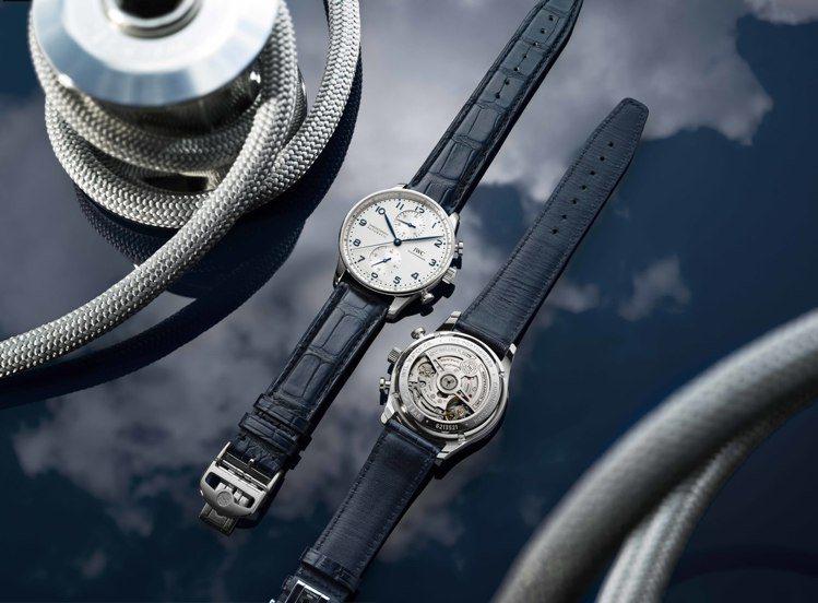 IWC葡萄牙系列計時碼錶,運用了新式導柱輪結構計時碼表機芯,精鋼款並具備全新蝴蝶...