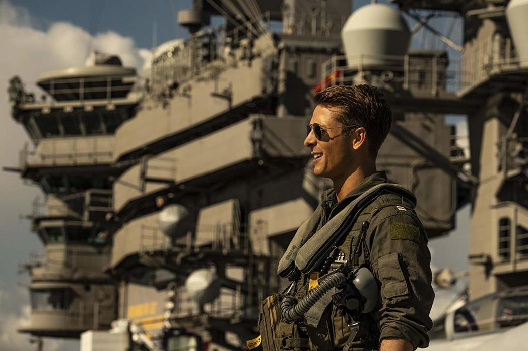 葛倫鮑威爾是「捍衛戰士獨行俠」中的新生代飛官。圖/imdb