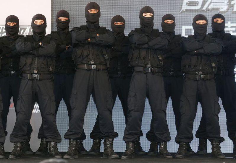 陸戰特勤隊執行反恐任務,比照國外反恐部隊,隊員都蒙面,身分絕不曝光。 圖/聯合報系資料照片