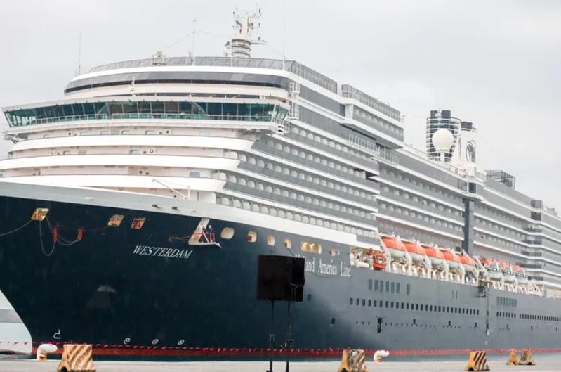 海上漂流多日的威士特丹號靠港後出現首例新冠肺炎確診個案。圖/本報資料照片
