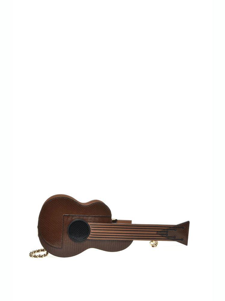 吉他包,50,300元。圖/MOSCHINO提供