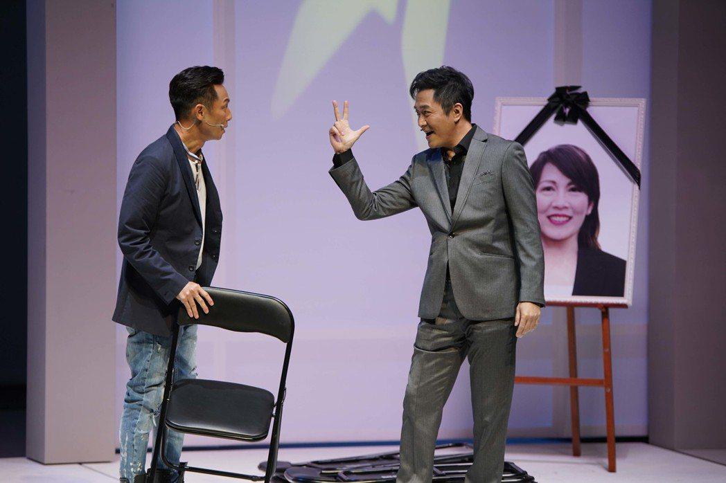 謝祖武(左)與湯志偉搭檔演出「最後一封情書」。圖/全民大劇團提供