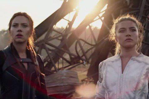 漫威電影「黑寡婦」將是今年眾所注目的大片之一,並由史嘉莉喬韓森主演,該片會將時間點設置在「美國隊長:英雄內戰」以及「復仇者聯盟:無限之戰」中間,讓我們一探「黑寡婦」娜塔莎的神祕過往,最近該片的妝髮團...