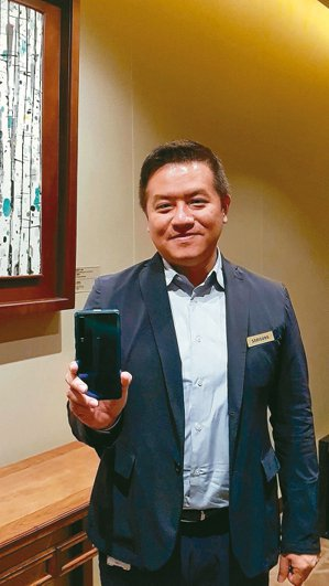 台灣三星行動與資訊事業部副總經理陳啟蒙