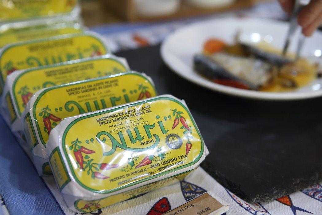 衛福部食藥署預告「酸化罐頭食品製造業者自主衛生管理指引」草案,提供業者酸化罐頭時...