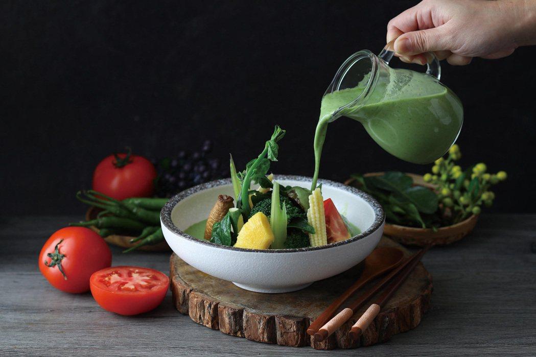 Asia 49綠咖哩椰奶燉蔬菜NT$300。