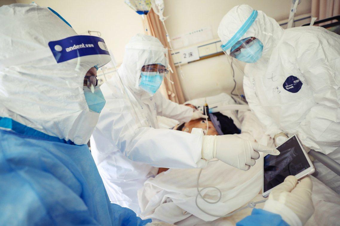 中國的累積確診病例終於突破了7萬人大關。 圖/歐新社