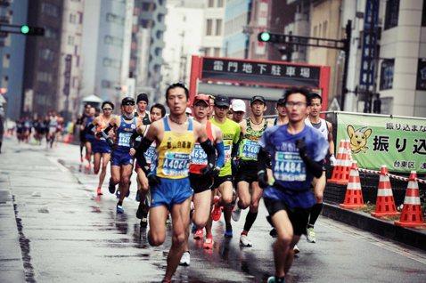武漢肺炎狙擊「東京馬拉松」!一般跑者組取消,奧運防疫「壓力測試」中