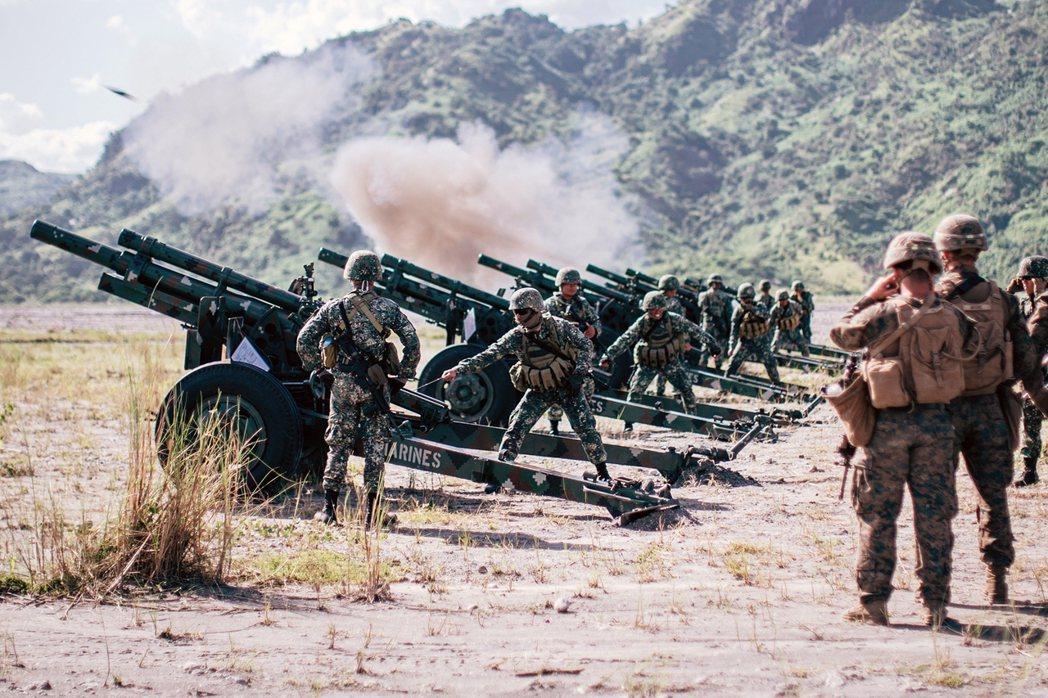 2月11日,菲律賓宣布將終止與美國長達21年的《軍隊訪問協定》(VFA)。菲美軍...