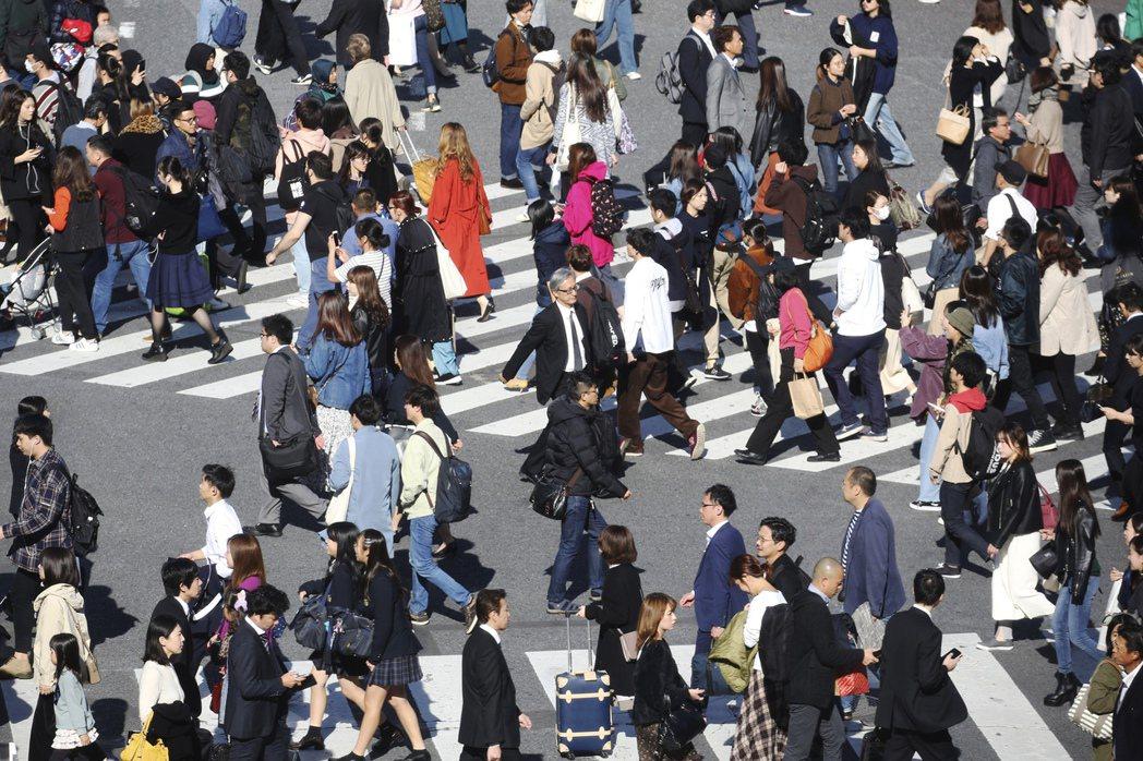 日本上季國內生產毛額初值年化後萎縮6.3%。美聯社