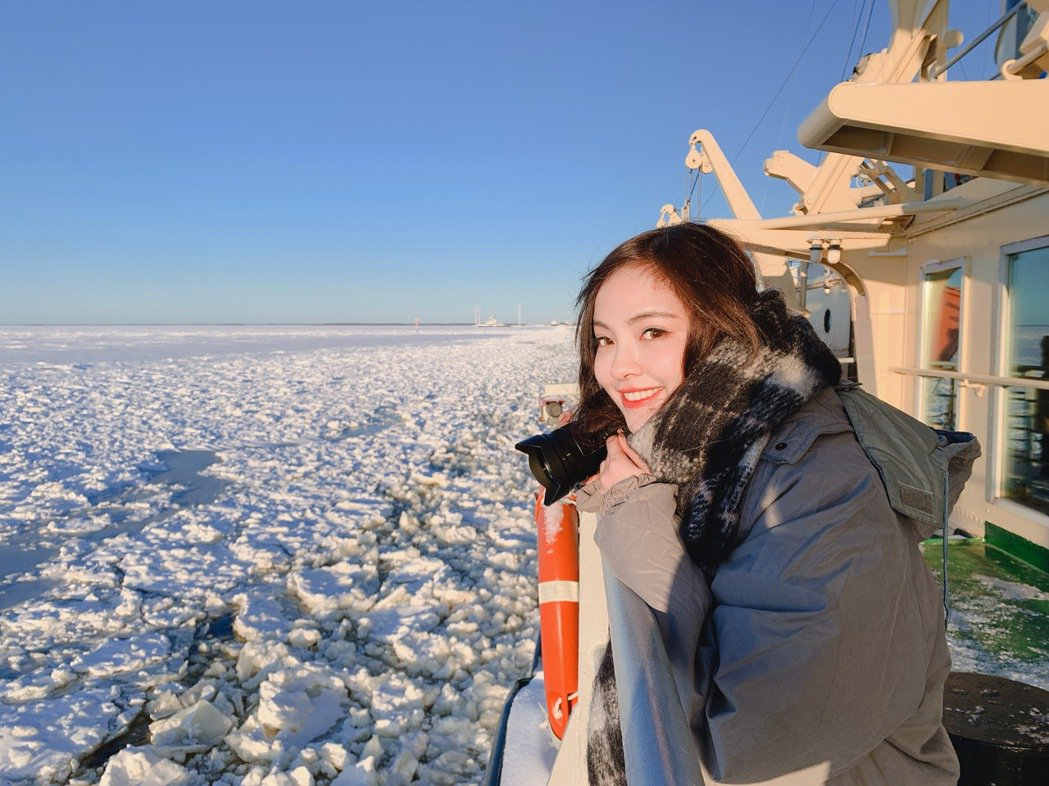 凱希搭乘破冰船。圖/時代創藝提供