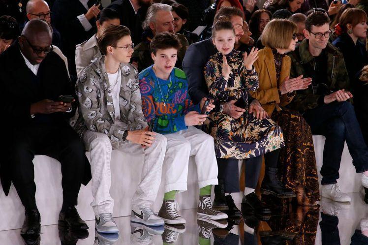 「貝嫂」維多利亞貝克漢的同名品牌Victoria Beckham在倫敦時裝周發表...