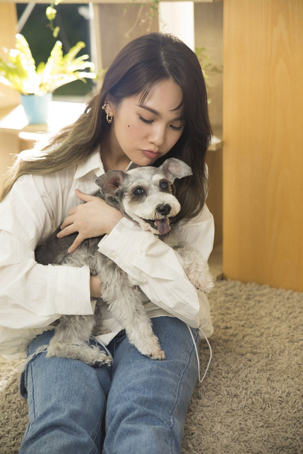 楊丞琳把新歌「泥土」獻給她的寵物YUMI。圖/環球音樂提供