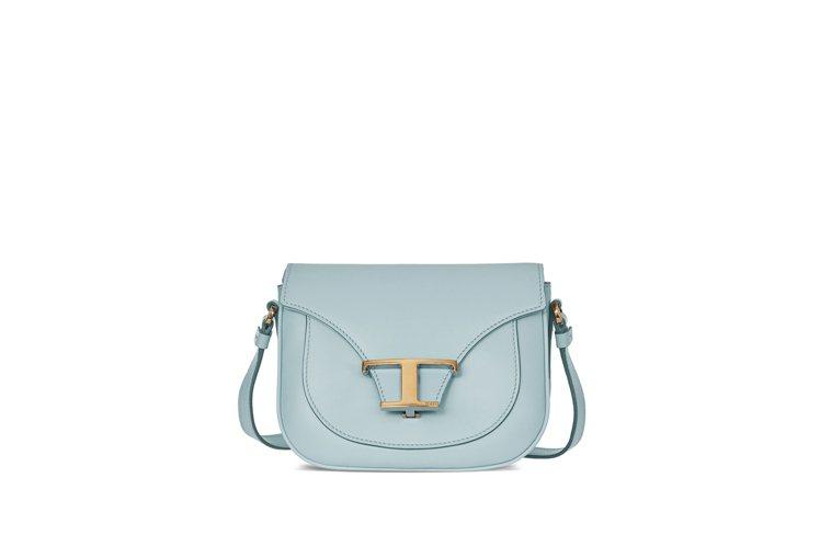 TOD'S Timeless Bag肩斜背包(水藍色),72,300元。圖/迪生...