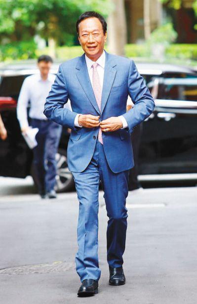 鴻海創辦人郭台銘今年一月設質四十三點六萬張鴻海股票向銀行借款、月均價換算市值約新台幣四○二點四億元,預估可質借金額約二四一點四億元。 圖/聯合報系資料照片