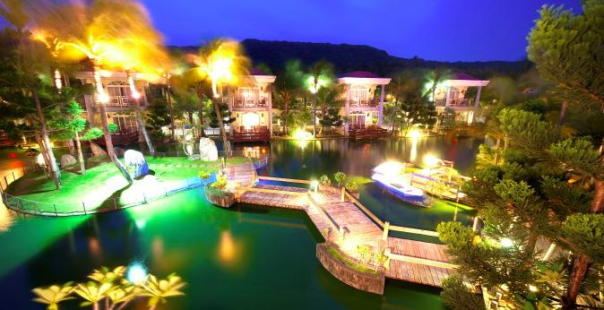 墾丁天鵝湖湖畔別墅飯店。擷自官網
