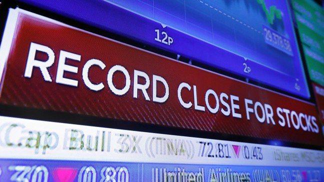 美國股市近來迭創新高,但債市卻再度向全球經濟發出潛在的警訊,令許多人摸不著頭緒。...