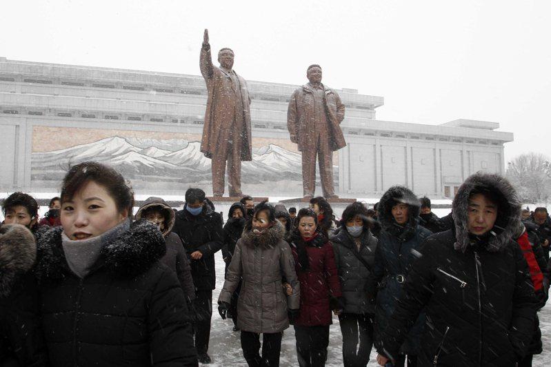 北韓缺乏醫療資源及人力,早早就要求所有自中國入境的民眾,都要隔離一個月之久,以防止疫情傳入。北韓至今一直宣稱國內無確診病例。圖/美聯社