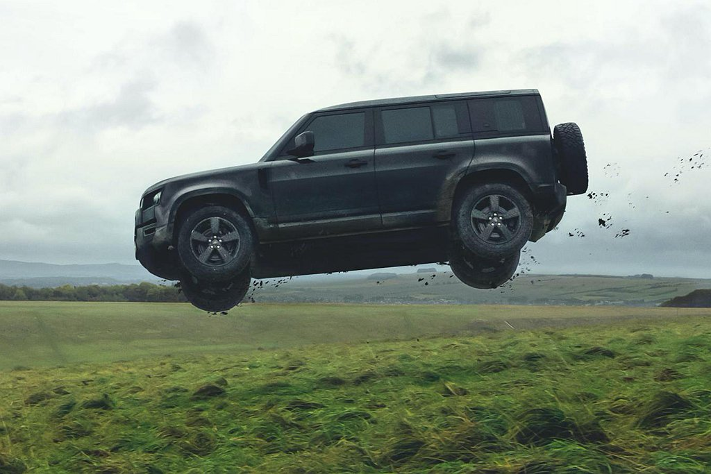 「007:生死交戰」電影還沒上映,就看到新Land Rover Defender...