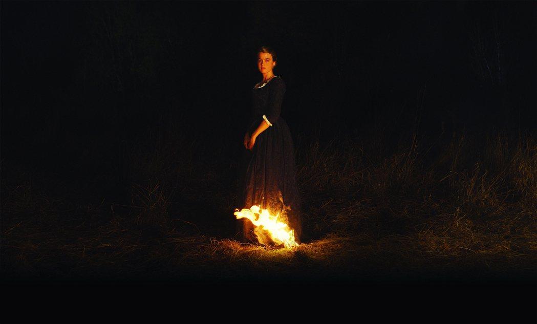 「燃燒女子」的控訴不僅直指了法國性別文化的核心問題,也突顯了電影圈美學規範被年長...