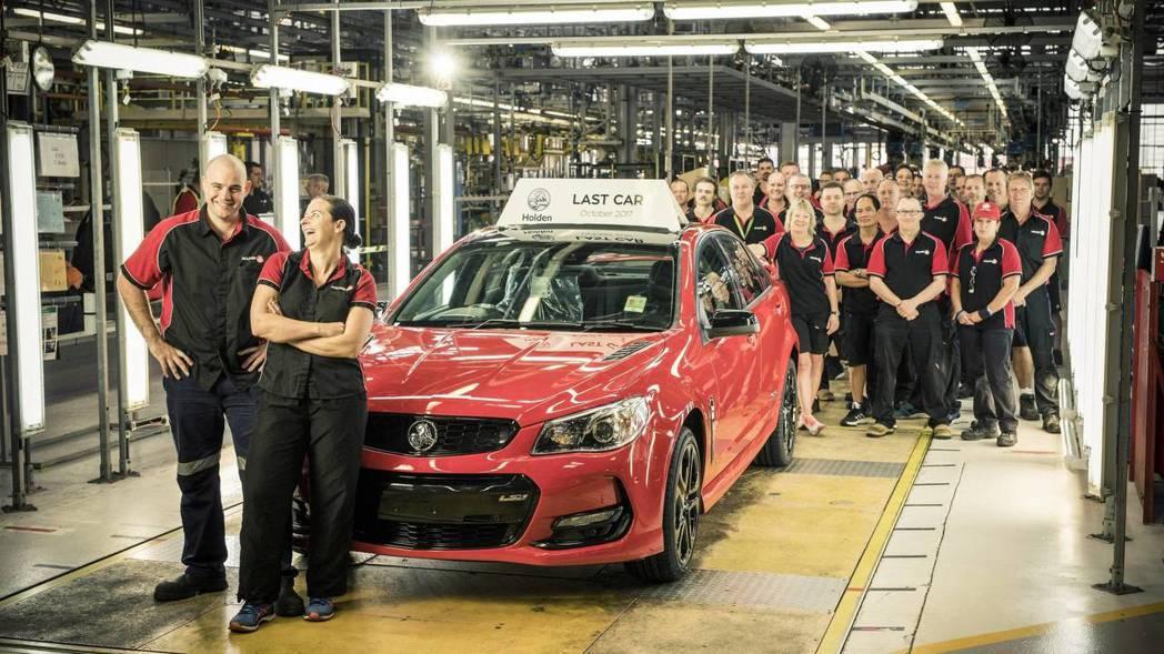 2017年10月澳洲廠生產的最後一輛Commodore V8。 摘自Holden
