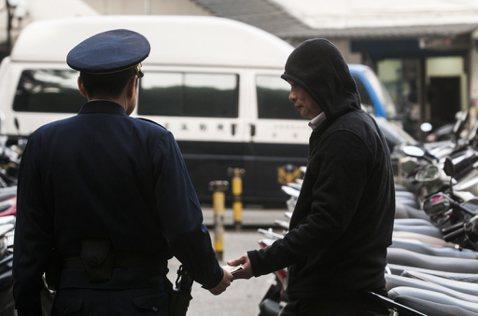 為績效而瘋狂:警界偵查實務的「騙票」秘密