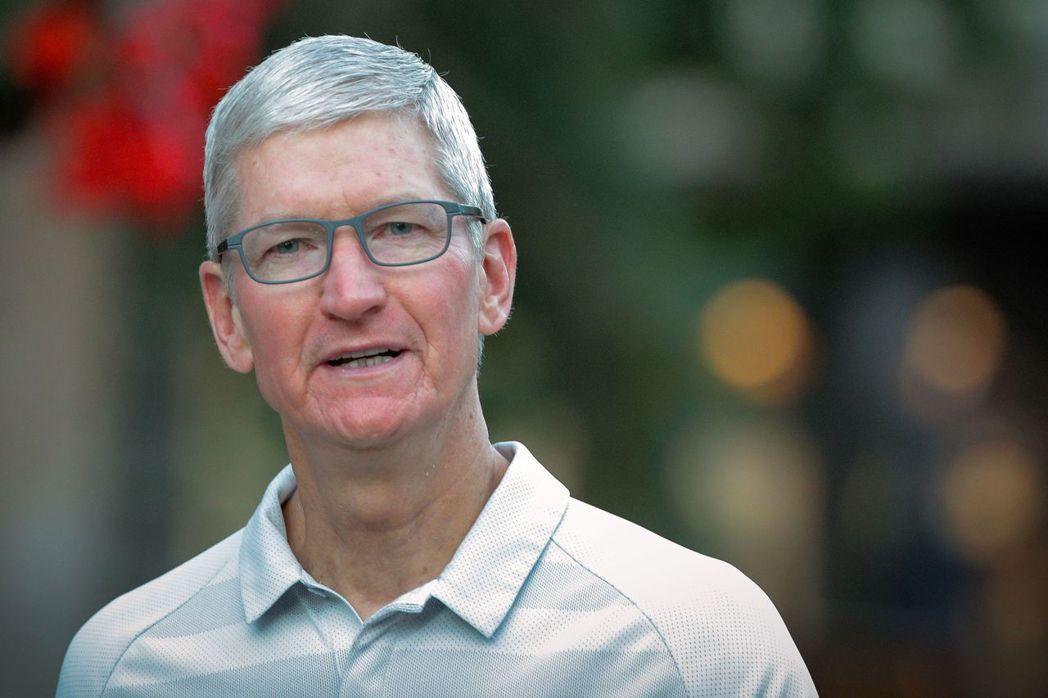 蘋果執行長庫克發信給全體蘋果員工,強調員工、合作夥伴和客戶的安全,是蘋果關注的中...