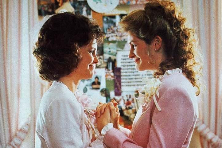 (★「udn懷舊片」專欄內容未經授權,不得轉載、摘編。) 茱莉亞羅勃茲曾經是1990年代好萊塢最紅的女星,不但曾經擠進成員大多是男性的「2000萬美元片酬俱樂部」,也在進入21世紀後終於靠演技獲得奧...