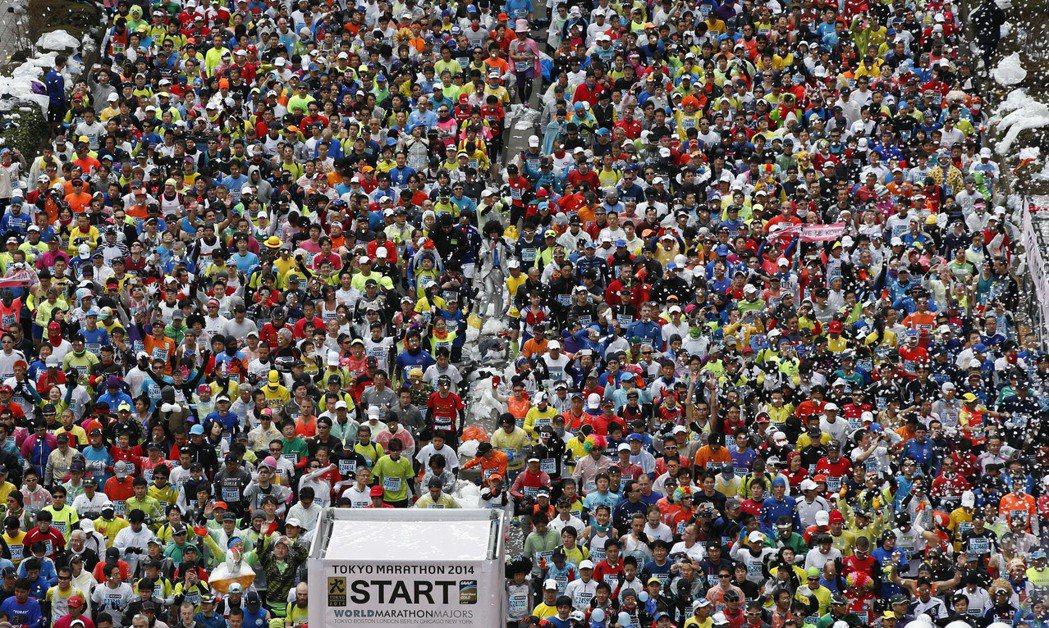 東京宣布2020年東京馬拉松僅舉辦菁英賽賽事,取消3萬8000人參與的一般跑者組...