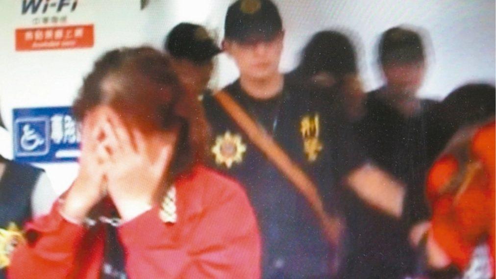 檢警查獲涉案的吳美孃及兩兒子。圖/本報資料照