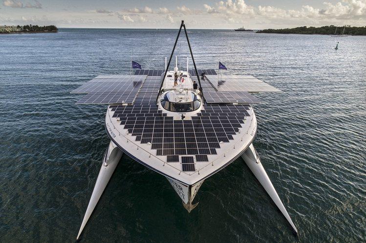 寶璣和海洋保護基金會共同攜手,預計航行至2021年的海洋衛士號,嘗試喚醒人們對環...