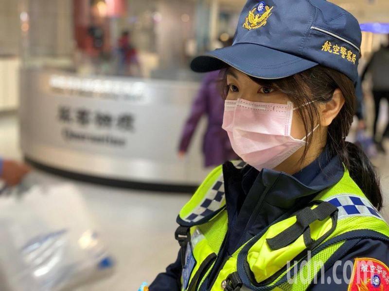 新冠肺炎(COVID-19)疫情嚴峻,防止境外移入個案為首要任務,航空警察局及支援警力,近1個月來持續投入國境線防疫勤務,備極辛勞。(航空警察局提供)