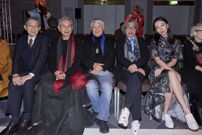 林懷民、蔣勳、詹宏志、吳卓源在觀秀嘉賓席合影。圖/APUJAN提供