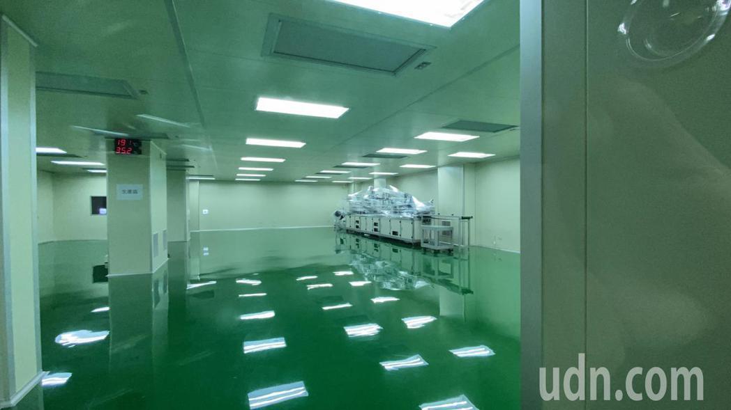 彰化華新醫材集團擴廠增產,新機台將進駐。記者林敬家/攝影