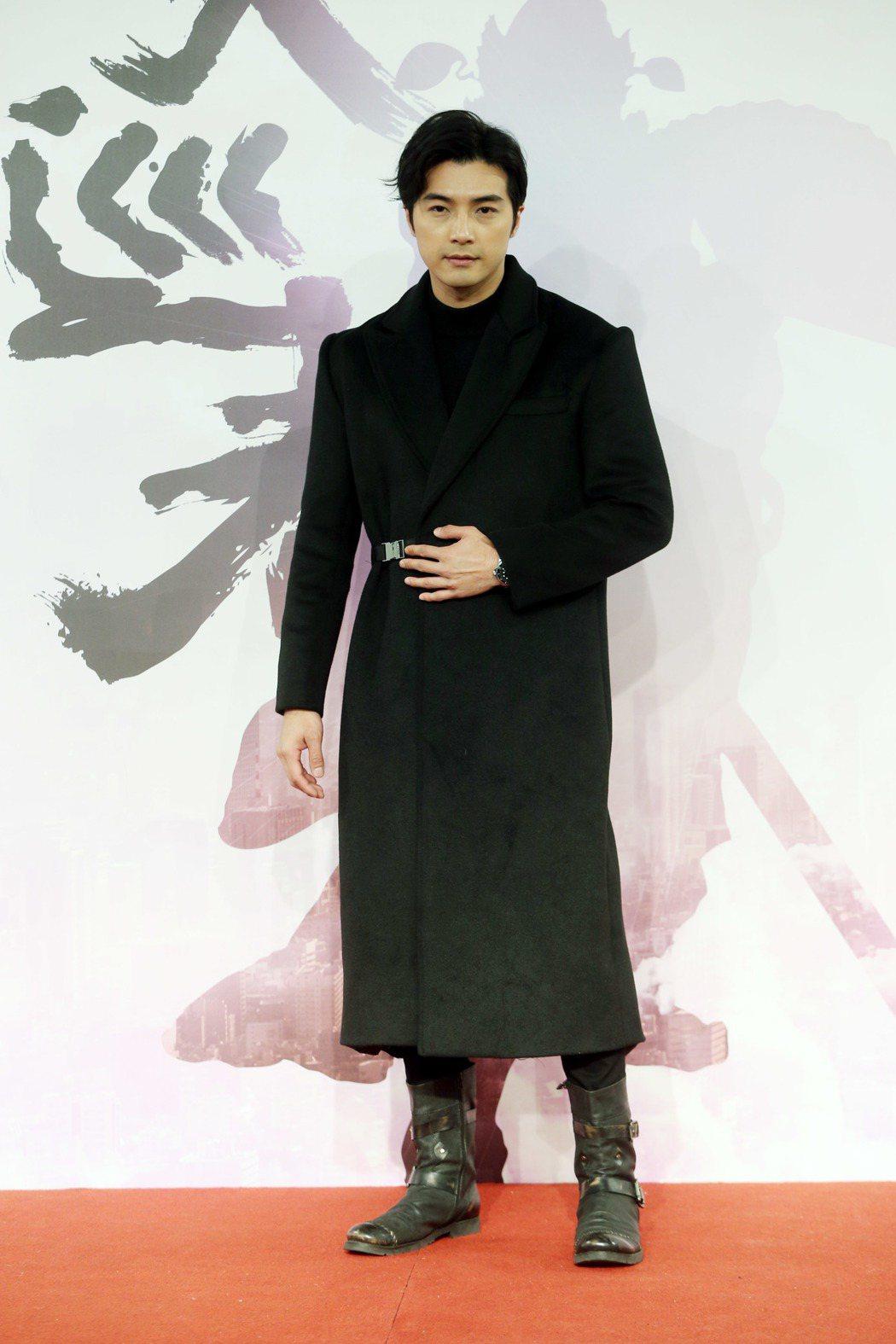 三立新華劇《天巡者》舉行男主角公布記者會,由賀軍翔主演,將「驅魔真君」鍾馗的傳說...