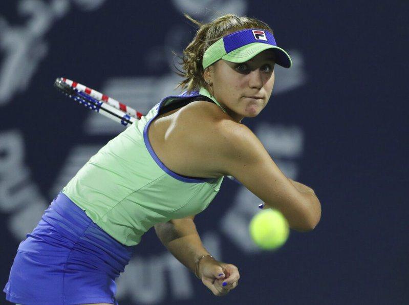 月初剛打下澳網女單金盃,美國女將珂寧(Sofia Kenin)杜拜女網賽卻意外在首輪落馬。 美聯社