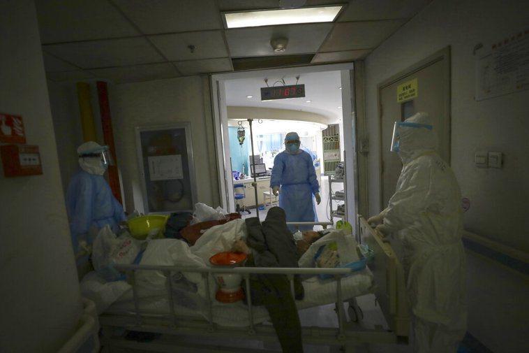 武昌醫院護士柳帆因新冠肺炎病逝,她是導演常凱的胞姊。 美聯社