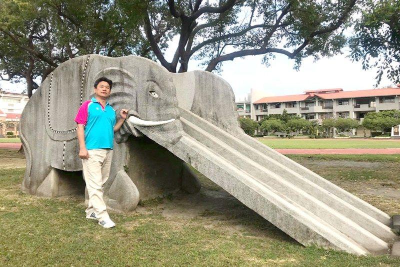 莊昭盛與網路同好發起校園大象溜滑梯,獲得廣大回響。 圖/莊昭盛提供