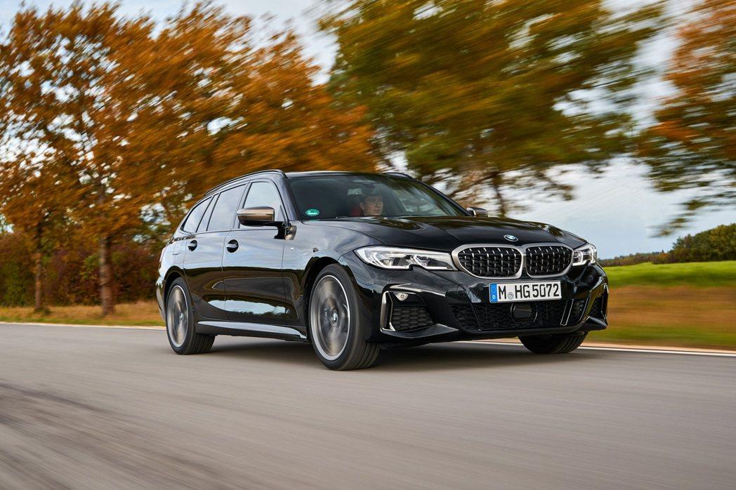 全新BMW M340d xDrive還額外配置了可輸出11hp的48V Mild...