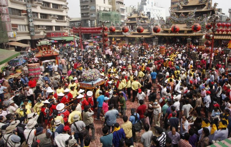 每年開春後天天有大批人潮到北港朝天宮進香熱滾滾。 圖/本報資料照片