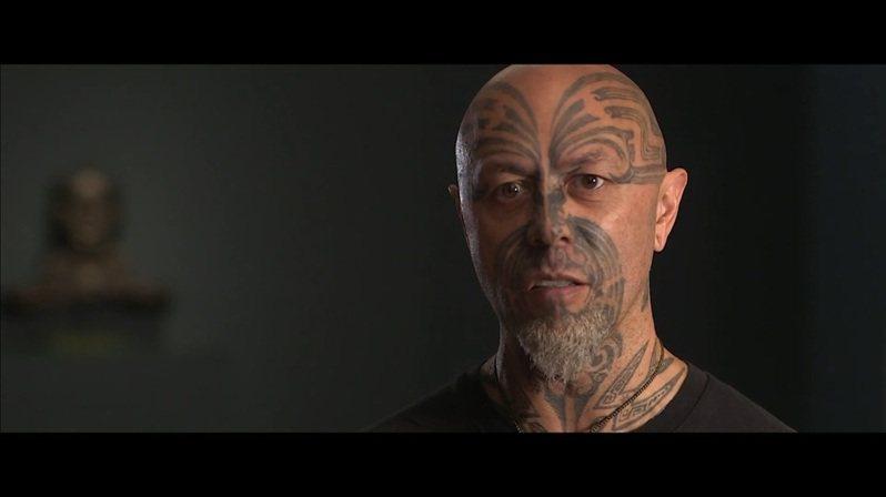 對毛利人來說,塔莫克是一種神聖的傳統,代表著一個人和其家族和文化身份認同的聯繫。(Photo by 影片截圖)