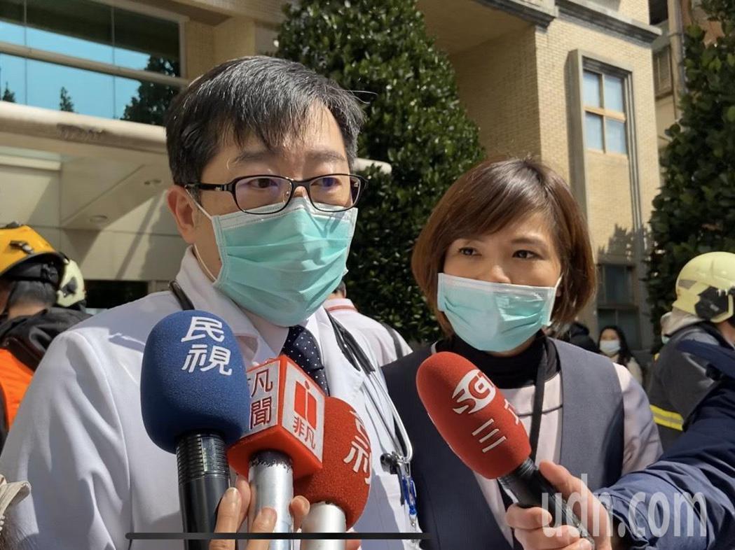 醫院執行醫療副院長劉傳捷表示,起火點是儲藏室,平時用來擺放醫院評鑑等資料。記者柯...