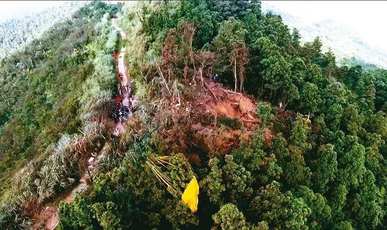 6685號F-16戰機墜機現場。圖/新北市消防局提供